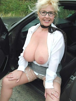 Free Big Boobs Car Porn Pictures
