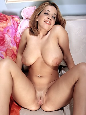 Free Big Boobs Spreading Porn Pictures