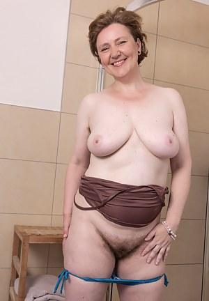 Free Big Boobs Bathroom Porn Pictures
