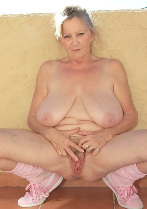 Free Big Boobs Old Pussy Porn Pictures