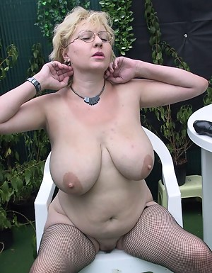 Free Big Boobs Fishnet Porn Pictures